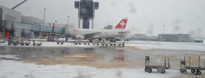 Tarmac Geneva Airport is one of Geneva (GVA) airport venues.