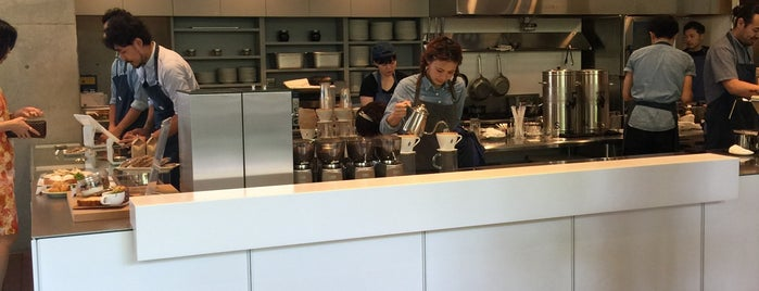 Blue Bottle Coffee is one of Tokyo17.