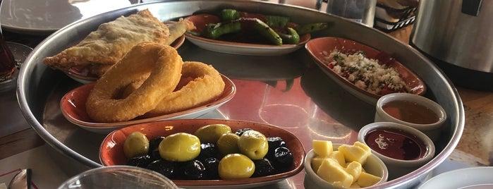 Nevale Pasta & Fırın is one of Locais curtidos por Ali Can.
