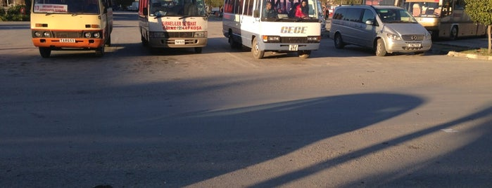 Nicosia Inter-City Bus Terminal is one of Orte, die Bego gefallen.