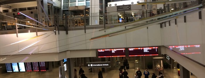 Raleigh-Durham International Airport (RDU) is one of สนามบินนานาชาติ (1).