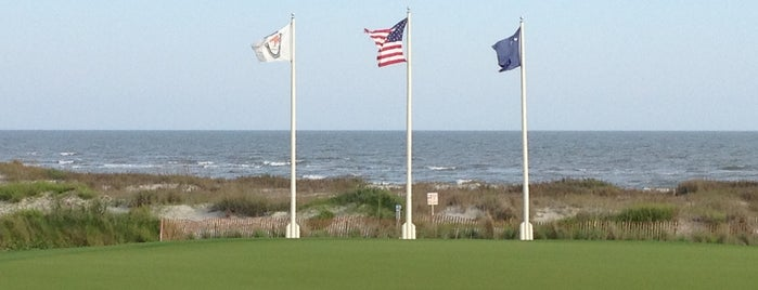 The Ocean Course At Kiawah Island is one of Tempat yang Disukai Christopher.