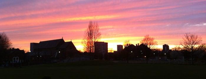 Hulme Park is one of Манчестер.
