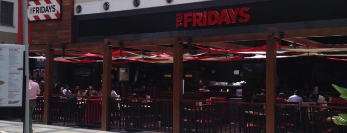 TGI Friday's is one of Locais curtidos por Edwulf.