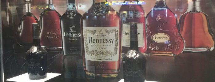 Adel Wines & Liquors is one of Lieux sauvegardés par BaxterTheBoss.