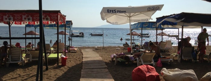 Loco Beach&Bar is one of İzmir İzmir.