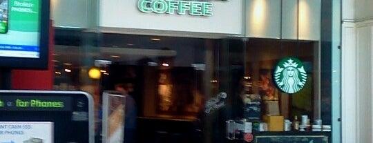 Starbucks is one of Posti che sono piaciuti a Yamila.