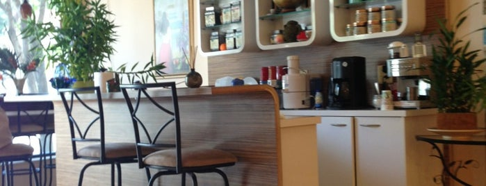 Lana's Organic Day Spa is one of Christinaさんのお気に入りスポット.