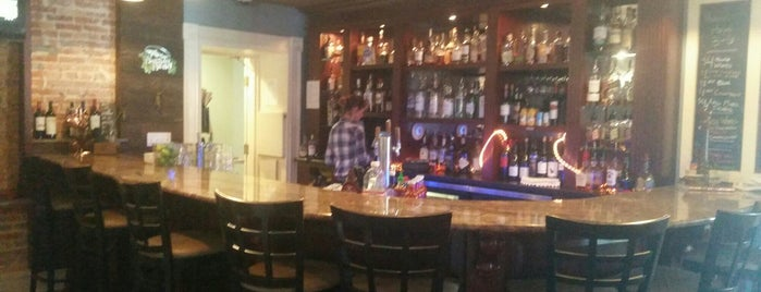 The Brick Restaurant & Tavern is one of Erica 님이 좋아한 장소.