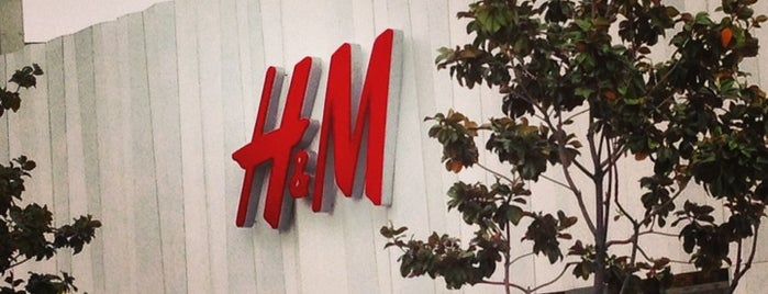 H&M Showroom is one of Hot Spots on the Sunset Strip.