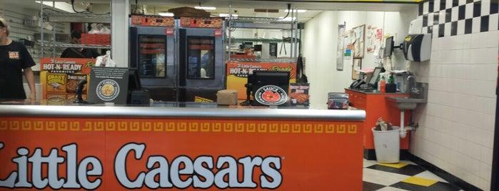 Little Caesars Pizza is one of barbee 님이 좋아한 장소.