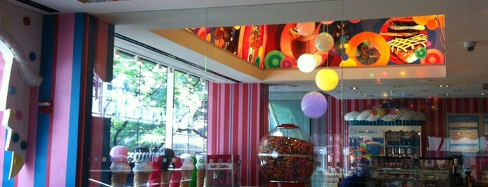 Dylan's Candy Bar is one of Waldo NYC: Kid-Friendly.
