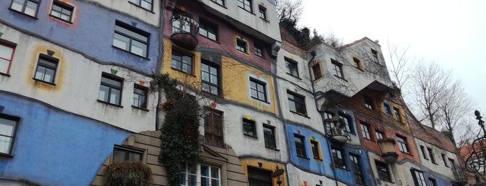 Hundertwasserhaus is one of สถานที่ที่ Bodza ถูกใจ.