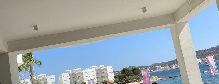 Sol House Ibiza is one of Tempat yang Disukai Zeynep.