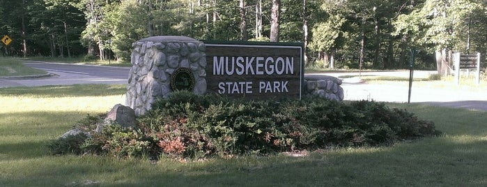 Muskegon State Park is one of Amelia 님이 좋아한 장소.