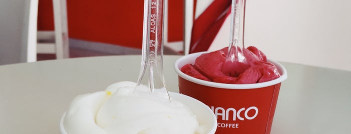 Gelato Bianco Italian Ice Cream & Coffee is one of Ege tatil.
