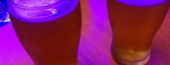 Bar El Destello is one of Tempat yang Disukai Angeles.