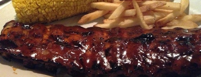Tony Roma's Ribs, Seafood, & Steaks is one of Carnes.