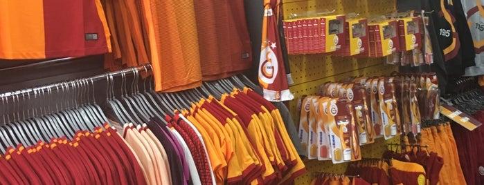 Üsküdar GS Store is one of hatice 님이 좋아한 장소.