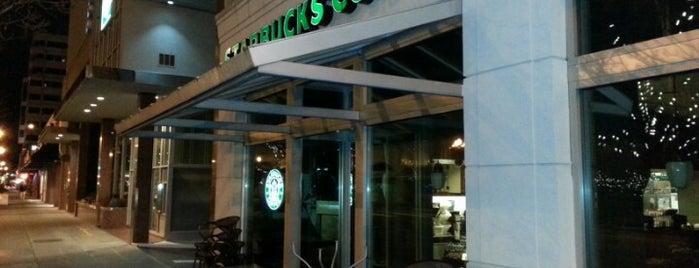 Starbucks is one of Posti che sono piaciuti a Dani.