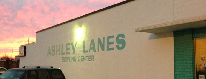 Ashley Lanes is one of Tempat yang Disukai West.