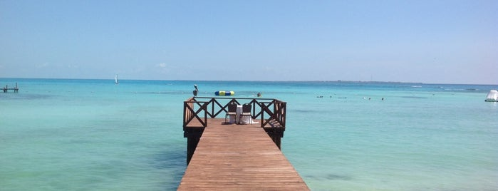 Dreams Cancun Resort & Spa is one of Lieux qui ont plu à Suzanne E.