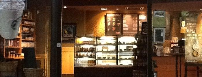 Starbucks is one of Orte, die Bersu Naz gefallen.