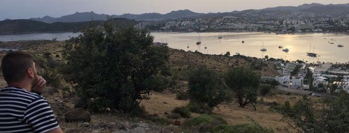 Yel Değirmenleri is one of Tempat yang Disukai ENES.