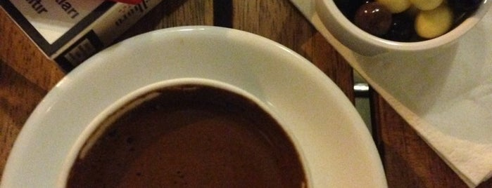 Kahve Dünyası is one of Güzel Mekanlar.