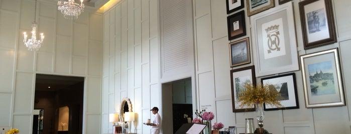Oriental Residence Bangkok is one of Orte, die Andrew gefallen.