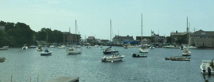 Eel Pond Harbour is one of Dougさんの保存済みスポット.