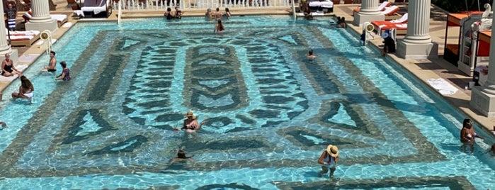 Jupiter Pool @ Caesars Palace is one of Las vegas.