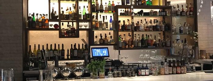 Element Mediterranean Steakhouse is one of Orte, die Lindsay gefallen.