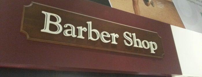 Barber Shop is one of Tempat yang Disukai Léo.