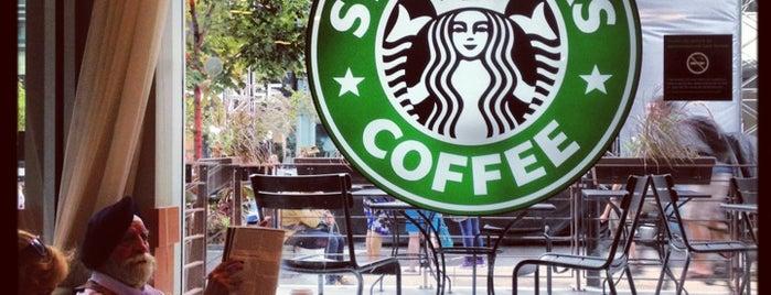 Starbucks is one of Özlem'in Beğendiği Mekanlar.