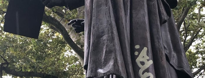Abraham Lincoln Statue is one of Prospect Park.