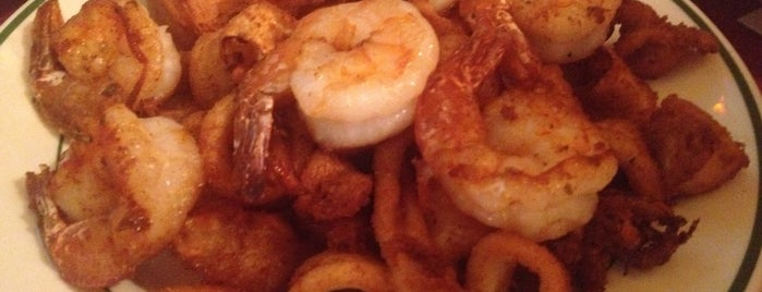 Desy's Clam Bar is one of New Hood!.