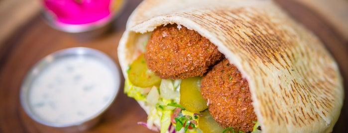 Fresh Pita Organic Express Organic Mediterranean Restaurant is one of Ayan'ın Beğendiği Mekanlar.