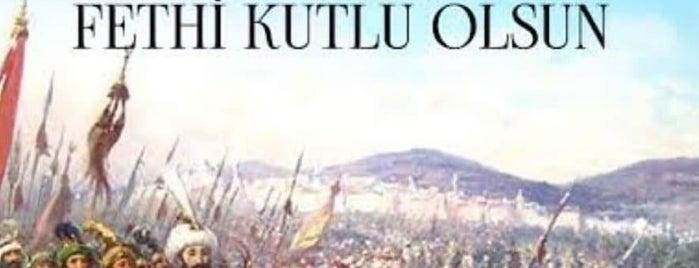 Pazartesi Pazarı is one of Lugares favoritos de Yılmaz.