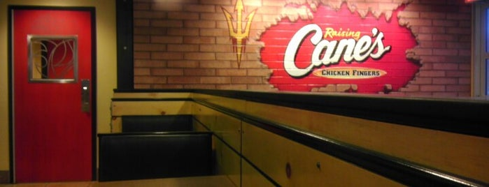 Raising Cane's Chicken Fingers is one of Locais curtidos por Amanda.