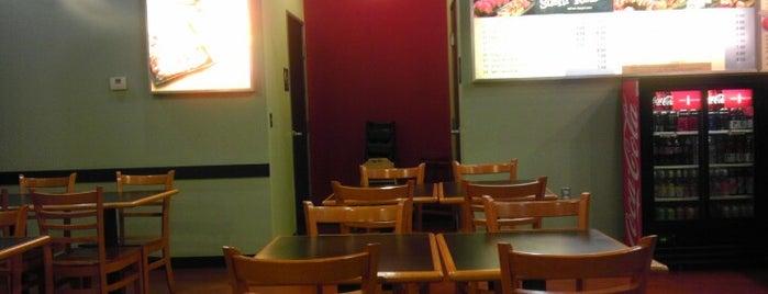 Yogi's Grill is one of Orte, die Ryan gefallen.