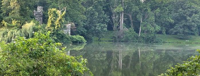 Halsey Pond is one of Dobbs Ferry Metropolitan Area.