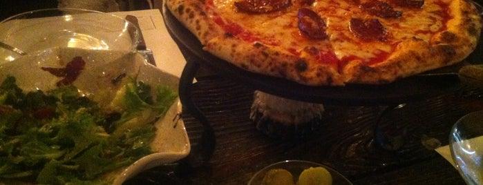 Do Chef Napoli Pizzeria is one of Posti salvati di Kris.