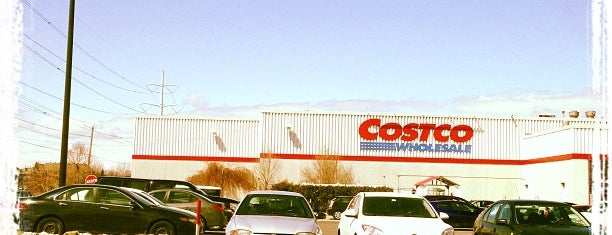 Costco Wholesale is one of Montréal.