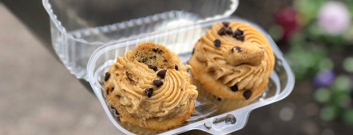 Buttercup Bake Shop is one of Ny- Fooooood 🤤.