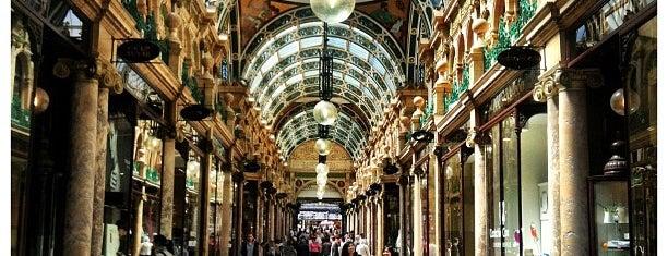 Victoria Quarter is one of Locais curtidos por Carl.