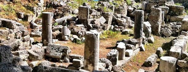 Phaselis Plajı is one of Historical Places in Antalya - Ören Yerleri.
