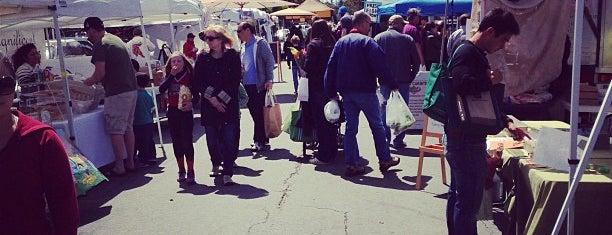 Burlingame Fresh Market is one of Lieux qui ont plu à Basy.