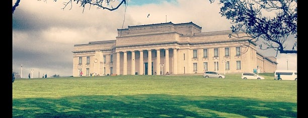 Auckland Museum is one of Nova Zelândia 🇳🇿.