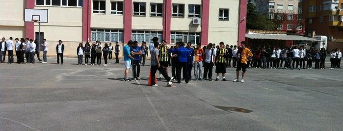 Türk Kızılayı Kartal Anadolu Lisesi is one of Tempat yang Disimpan Özlem.